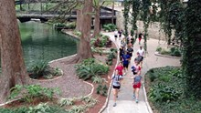 T. STOLHANDSKE - San Antonio River Walk