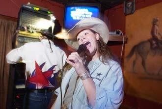 cultfeat-karaoke-0297_330jpg