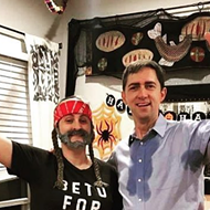 This Texas Couple Totally Nailed Their Sweaty Beto O'Rourke, Willie Nelson Halloween Costumes