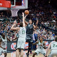 San Antonio Spurs Hold Greek Freak to 27 Points in Win Over Milwaukee