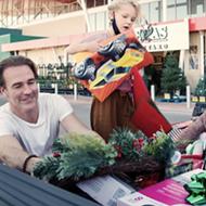 'New Texan' James van der Beek stars in heartwarming, holiday-focused online H-E-B ad