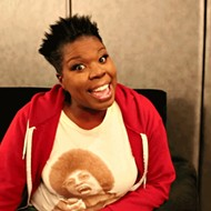 "Watch Ghostbusters' Leslie Jones Sing Selena's ""Como La Flor"""