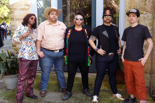 Los MENtirosos - COURTESY