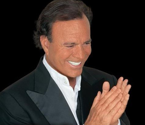 FACEBOOK, JULIO IGLESIAS
