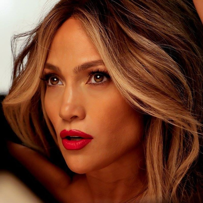 FACEBOOK, JENNIFER LOPEZ