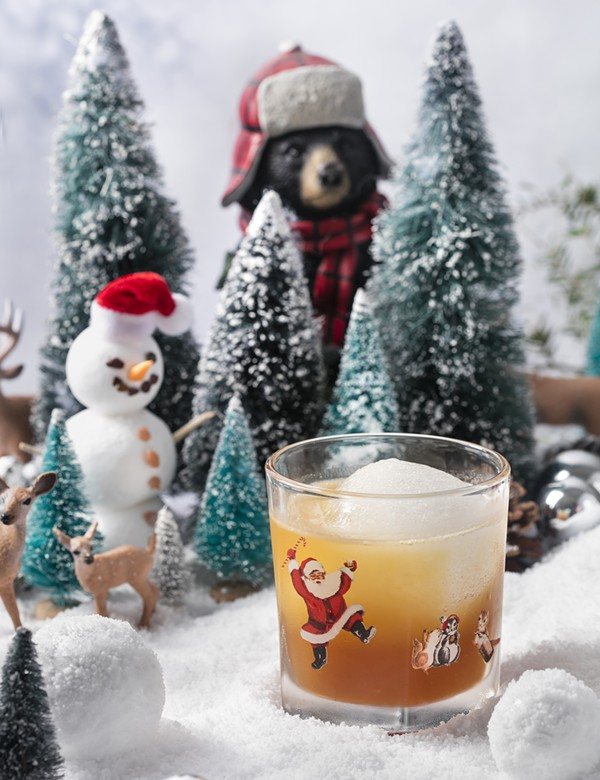 Christmas Events Houston 2019.Christmas Themed Pop Up Bar Miracle On Houston Street Is