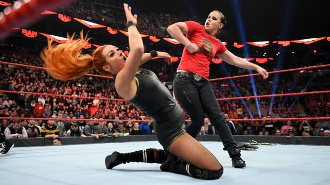 FACEBOOK / WWE RAW