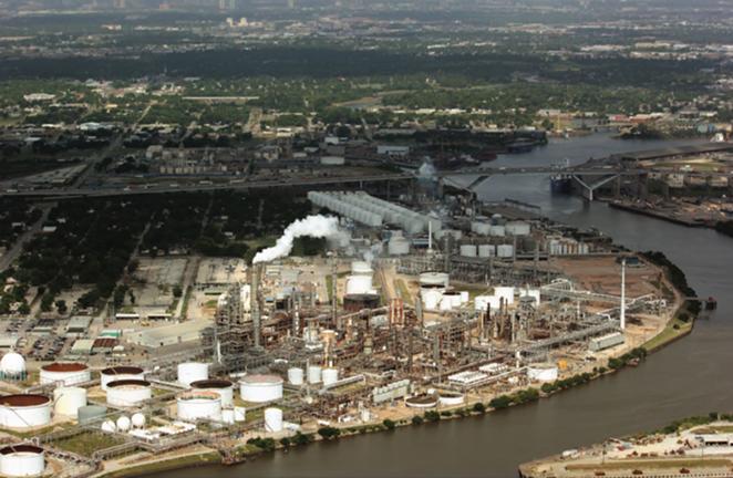 Valero Energy's Houston refinery - ADRIAN SHELLEY / PUBLIC CITIZEN