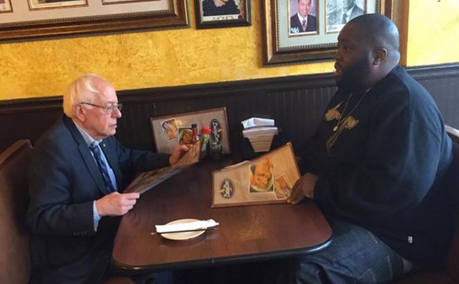 Bernie Sanders and Killer Mike in an Atlanta soul food restaurant - TWITTER