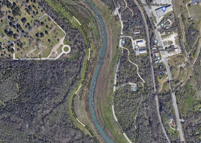 A ruptured pipe near 8510 Mission Parkway spilled sewage into the San Antonio River. - SCREENSHOT / GOOGLE MAPS