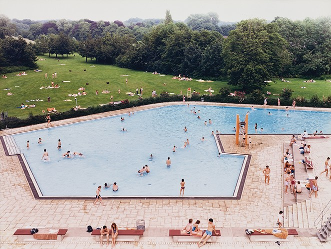 Andreas Gurksy, Ratingen Schwimmbad (Swimming Pool)