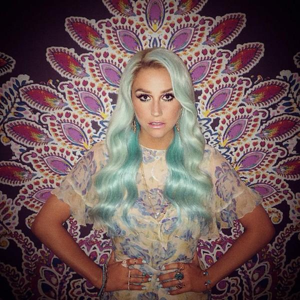 Kesha - FACEBOOK