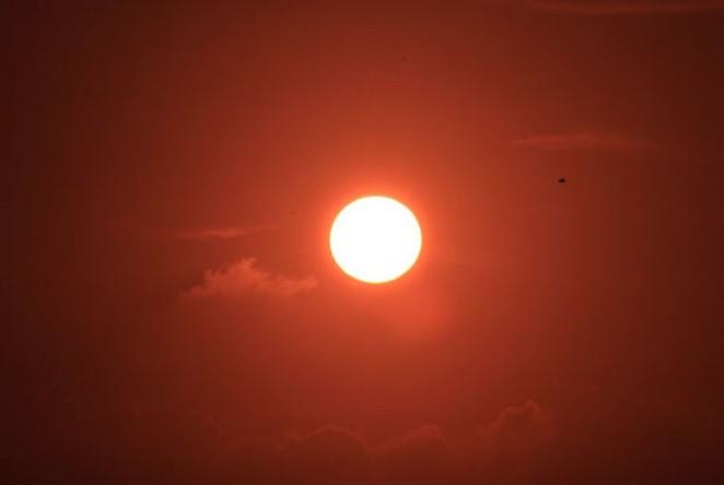 The heat is here. - PUBLICDOMAINPICTURES.NET