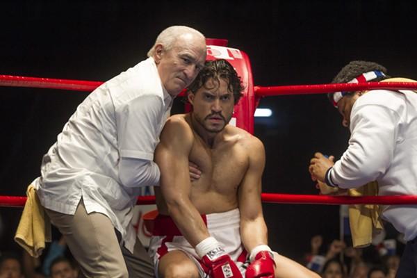 Robert De Niro (as Ray Arcel) and Edgar Ramírez (as Roberto Durán) co-star in Hands of Stone - RICO TORRES, THE WEINSTEIN COMPANY