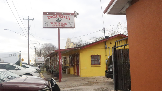 Far Southeast spot receives low inspection marks for using clothes to cover tortillas. - FACEBOOK / TAQUERIA REYES