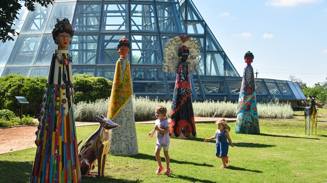 Along with the exhibition, the garden is debuting six Botanical Frida statues. - TWITTER / SABOTGARDEN