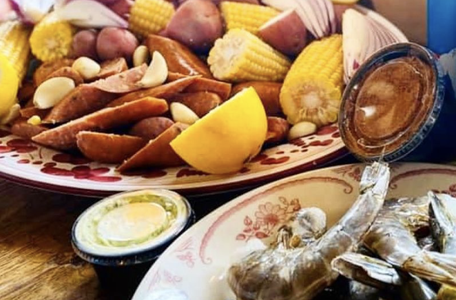 Last year's Shrimp Boil Kit To Go. - INSTAGRAM / IDACLAIRESA