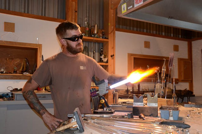 GLASS ARTIST JAKE ZOLLIE HARPER PHOTOGRAPHED BY BRYAN RINDFUSS