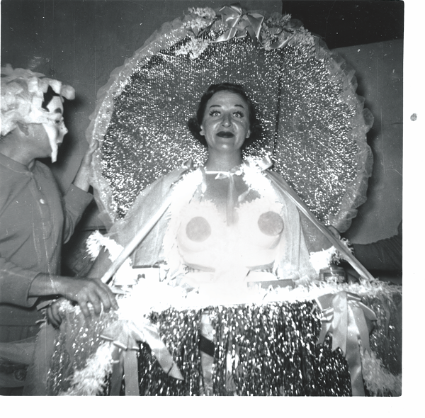 Anne Thompson as the Empress of the Court of Cosmetic Subterfuge, 1953 (courtesy of the Playhouse and the San Antonio Public Library Texana Collection).