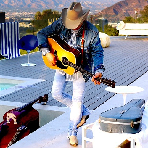 FACEBOOK, DWIGHT YOAKAM