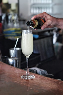 French 75 -  INSTAGRAM/@DRINKING.IN.SA