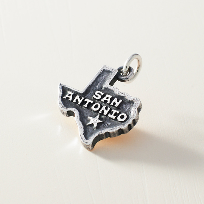 """San Antonio"" charm - JAMES AVERY"