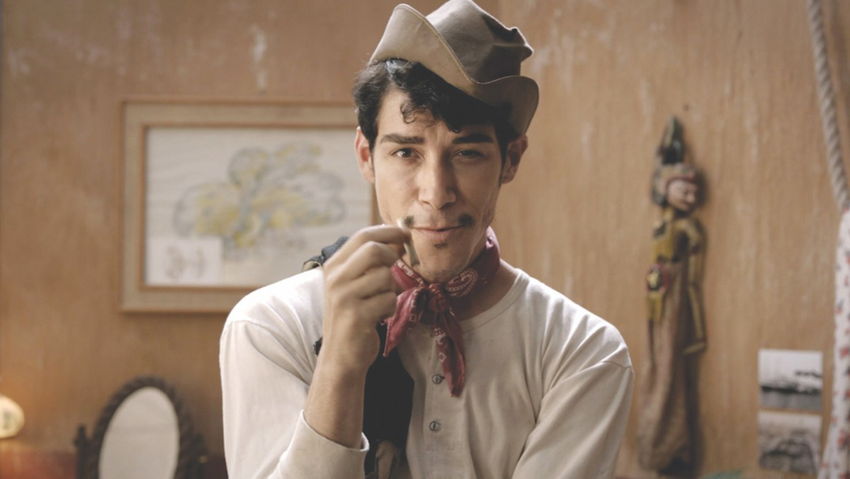 Óscar Jaenada as iconic Mexican actor Mario Moreno in the 2014 biopic Cantinflas