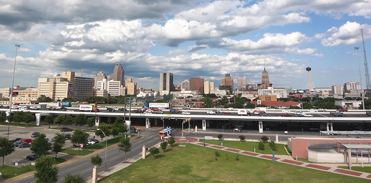 downtown_san_antonio_wikipedia_commons.jpg