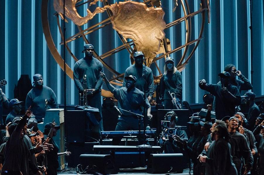 Kanye West and Choir - FACEBOOK / LAKEWOOD CHURCH