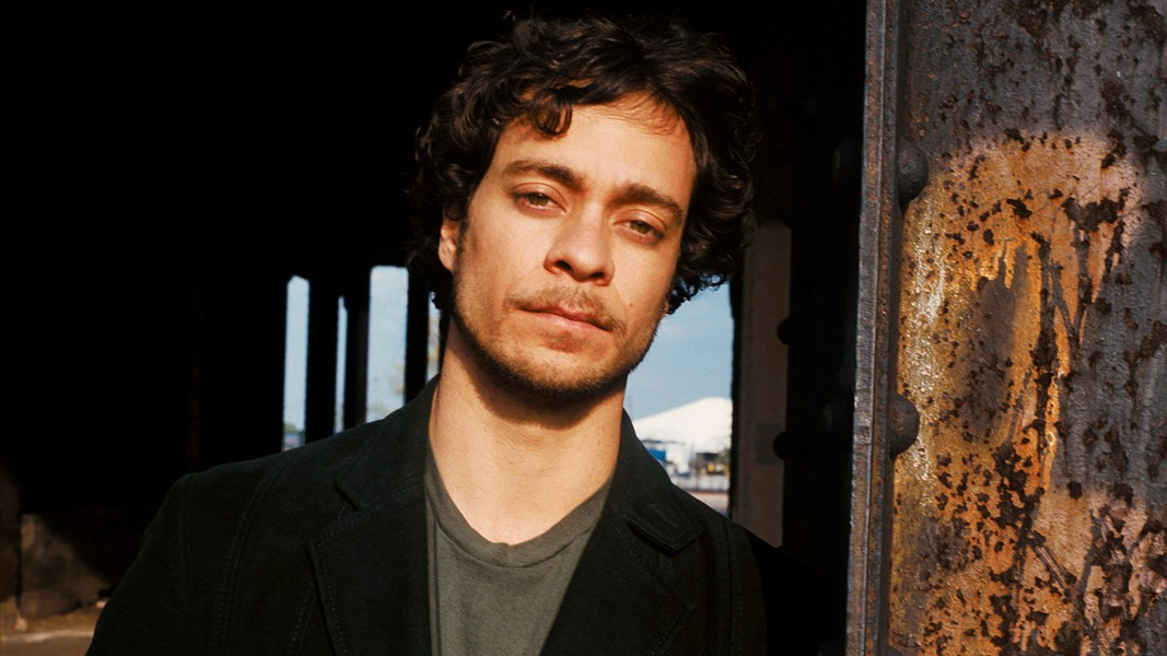 Amos Lee - COURTESY