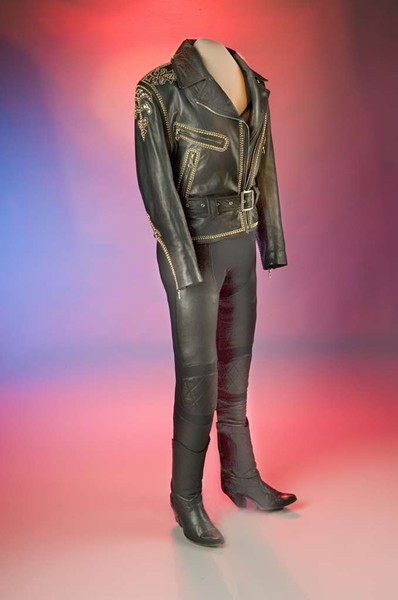 SELENA'S BLACK LEATHER JACKET AND BUSTIER AT THE NATIONAL MUSEUM OF AMERICAN HISTORY