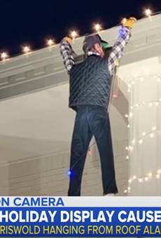 Austin Family Goes Viral for National Lampoon's Christmas Vacation Light Display That Caused Someone to Call 911