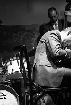 Doc Watkins Brings Music of A Charlie Brown Christmas to Life at Jazz, TX