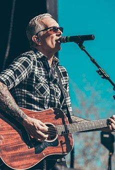 Everclear frontman Art Alexakis rocking out with his acoustic out.
