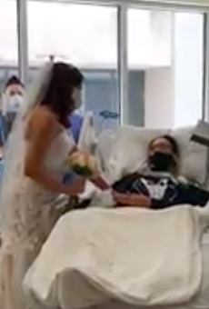 San Antonio's Methodist Hospital Hosts Wedding for COVID-19 Patient