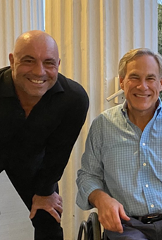 New Texan Joe Rogan poses for maskless photo op with Gov. Greg Abbott — because of course he did