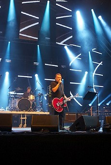 Peter Hook and The Light in action.