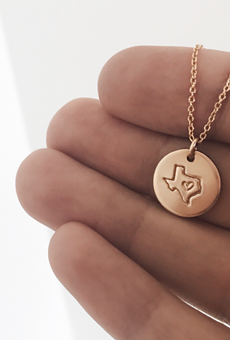 Texas-born jeweler Mary Moody to donate proceeds from necklace to winter storm relief efforts