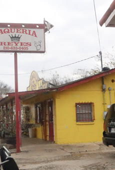 Far Southeast spot receives low inspection marks for using clothes to cover tortillas.