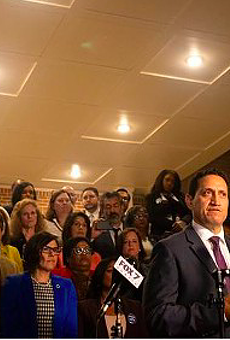 Democrats who fled Texas sue Gov. Greg Abbott, Speaker Dade Phelan, saying efforts to force their return violate their civil rights