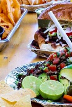 25 San Antonio bars with food as good as the drinks