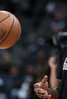 Spurs Fans File Lawsuit Against Zaza Pachulia, Golden State Warriors