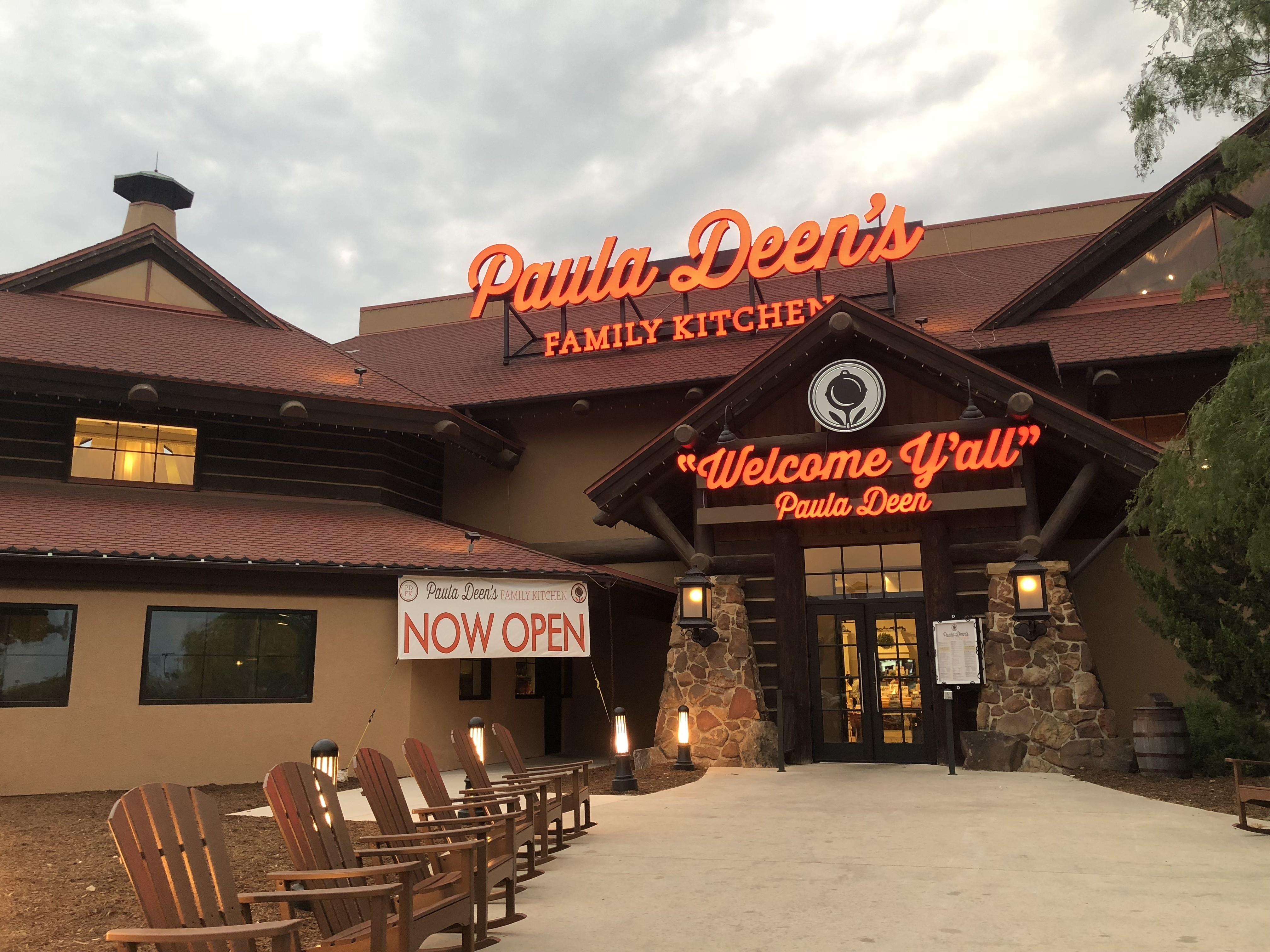 San Antonio Employees Allege Paula Deen S Family Kitchen