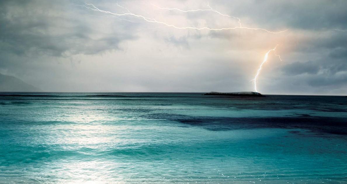 Vibrant Settings Make End of the Ocean a Rewarding Read