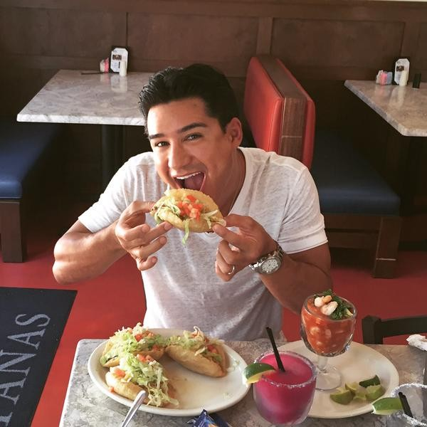"""Crushin the world famous 'puffy tacos' at Violas Ventanas in San Antonio, Tx!"" And our hearts. - TWITTER"