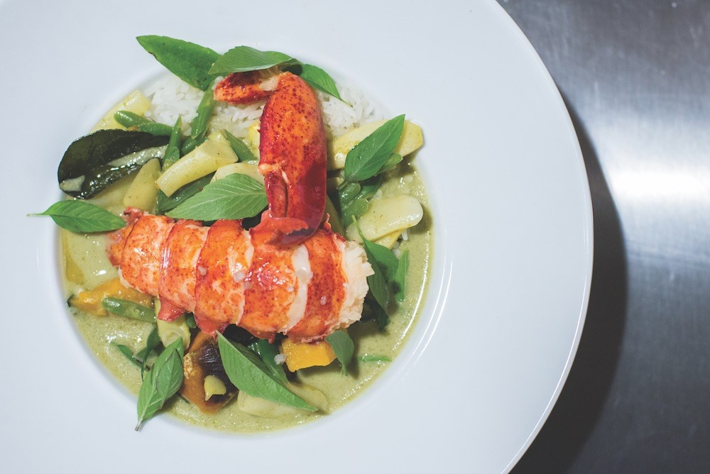 You'll find chem-free shrimp instead of lobster with the same winsome results.