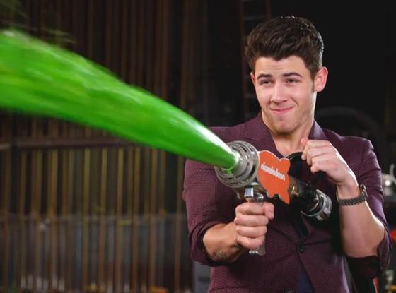 Nick Jonas doing bad all by himself. - NICKELODEON
