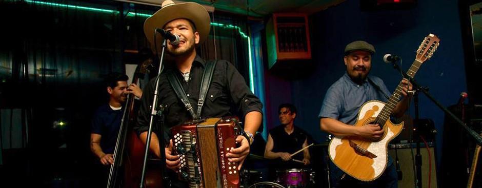 Los Callejeros de San Anto - COYOTEMUSIC.COM