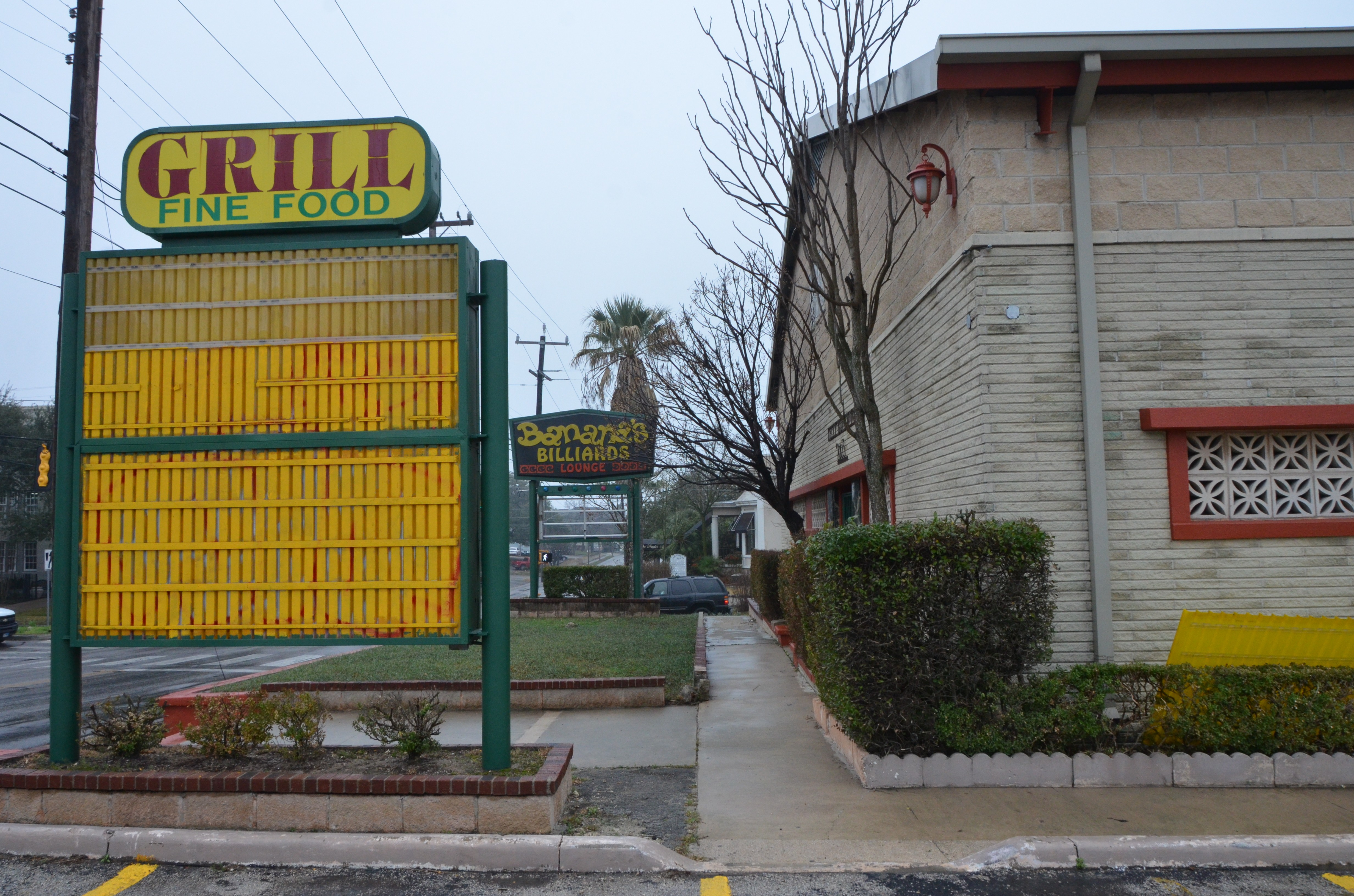 Beloved Pool Hall Banana S Billiards Will Reopen Thursday