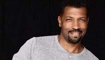 Comedian Deon Cole Setting Up at Laugh Out Loud This Weekend